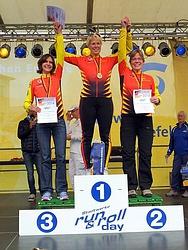 Das VfR Treppchen: v.l. Andrea Meyne, Silke Röhr und Laura Sopalla