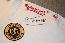 Autogramm des neuen Mitgliedes unserer Judoabteilung (DJB Präsident Peter Frese)