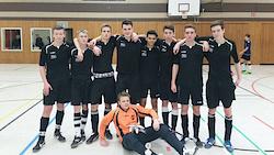 unsere erfolgreichen Vertreter von links nach rechts: Leon, Leo, Benjamin, Felix, Sasa, Niklas, Richard, Leon und vorn (fast wie im Tor) TW Leon
