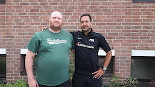 Trainergespann der 1.: Moulay Rhoulimi (re), Betreuer Marcel Schwarzer (li)