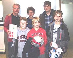 Spieler der ehem.D2 und E1 mit Trainer Pakusch und Otto