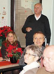 Franz-Josef Kallen begrüßt die Gäste