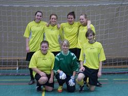 von links oben: Kimberley, Inken, Imke, Laura, unten: Rebecca, Juliane, Lisa (Nana war gerade auf Toilette :-))